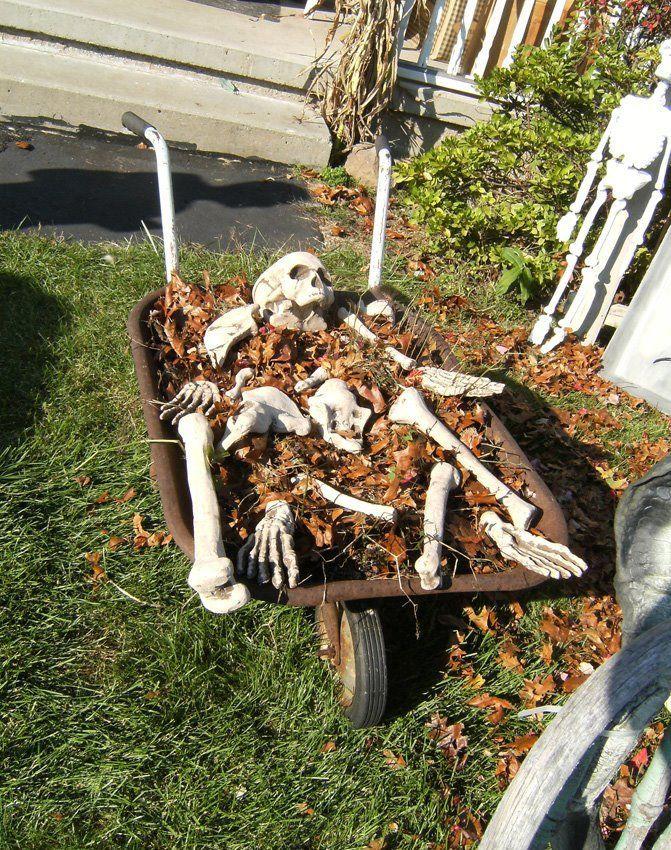 Cheap Halloween Yard Decoration Idea Pictures   Halloween yard ...