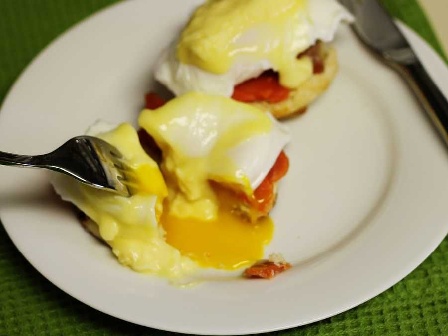 Julia Child's Poached Egg Method