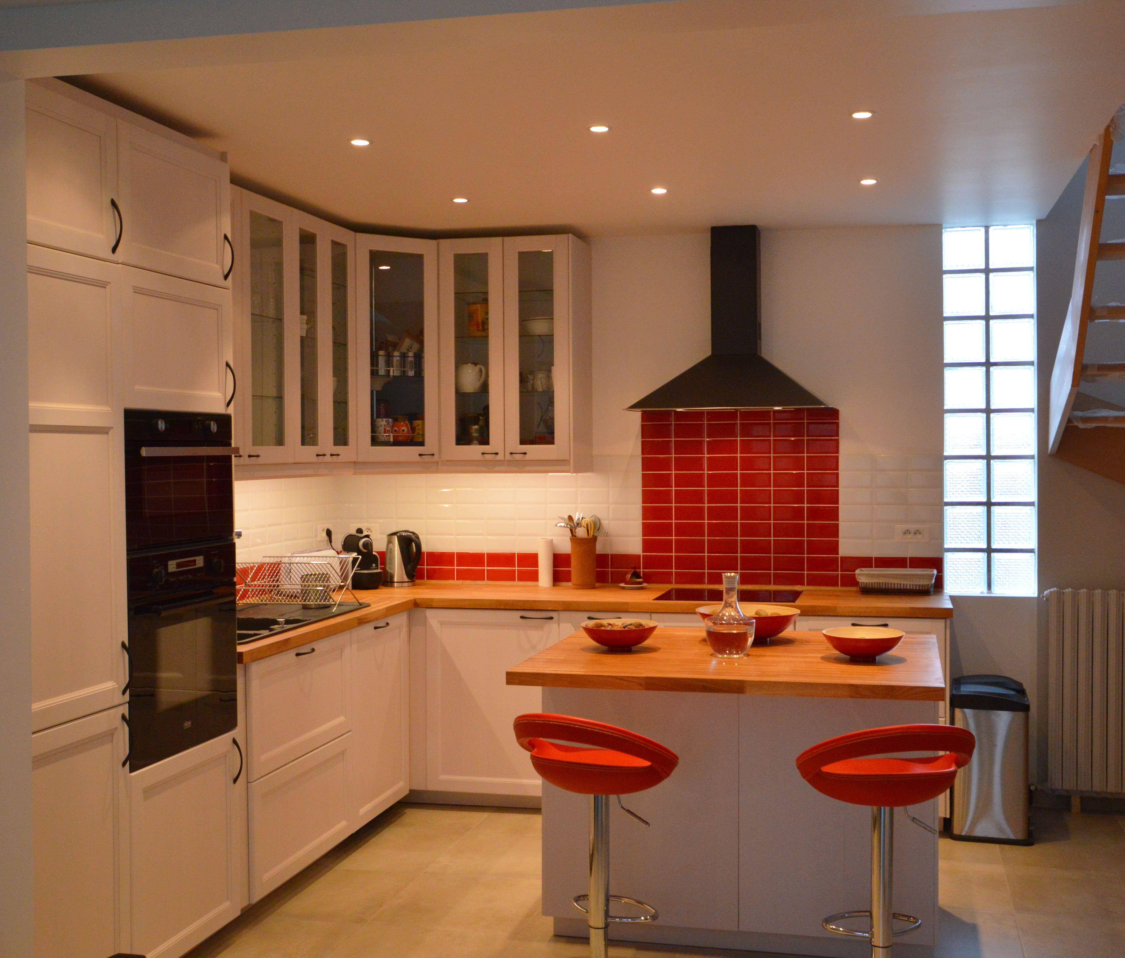 Cuisine Retro Et Moderne Carrelage Metro Rouge Et Blanc C Parisd