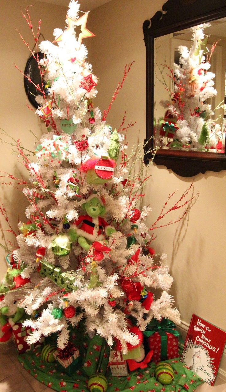 Grinch christmas tree | The Taylor's Christmas House-Ideas ...
