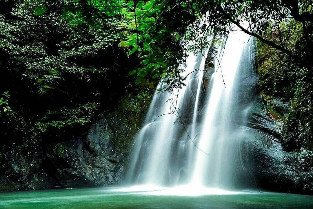 Curug Payung Yang Tersembunyi Di Kuningan Jawa Barat Jawa Barat Air Terjun Pemandangan Air