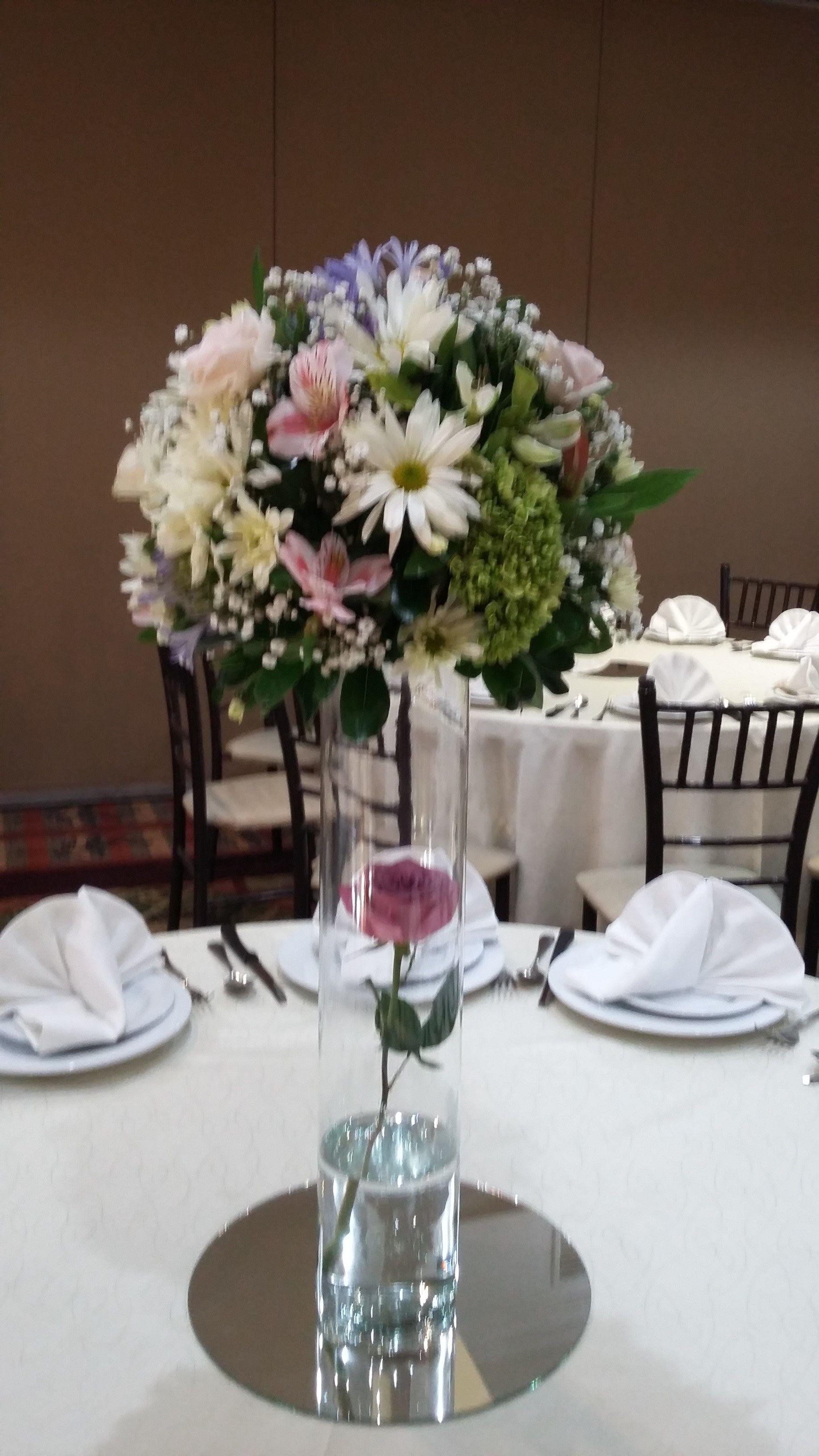 Centro de mesa surtido sobre cilindro cristal rosa dentro - Cristales para mesa ...