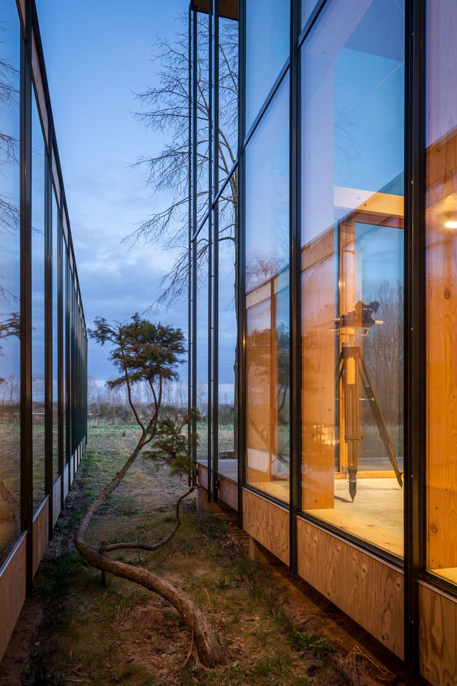 Best Belgian Holiday House By Gafpa Takes Cues From Japan 400 x 300
