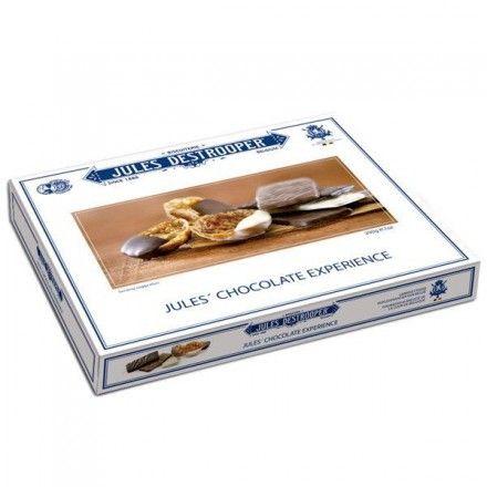 En la tienda online gourmet y delicatessen Érase un gourmet vendemos este surtido chocolate experience, biscuits de azúcar cande recubierto de chocolate y Florentinas de almendras. Marca Jules Destrooper.