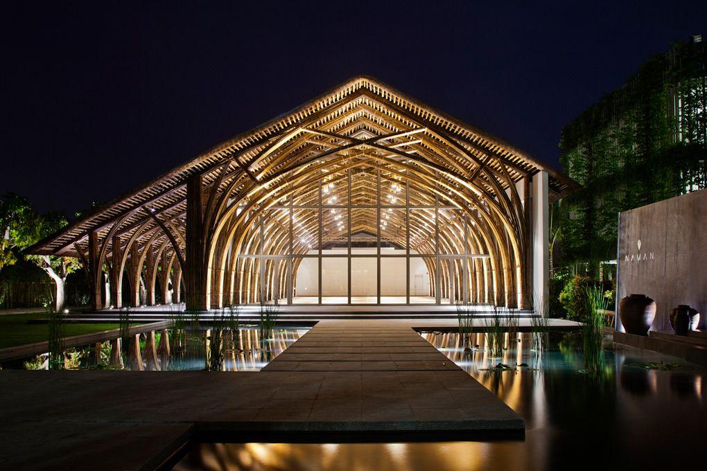 Un Gran Salon De Conferencias De Bambu Para Purificar La Mente Y El Alma Arquitectura De Bambu Sala De Conferencias Salon De Eventos Sociales