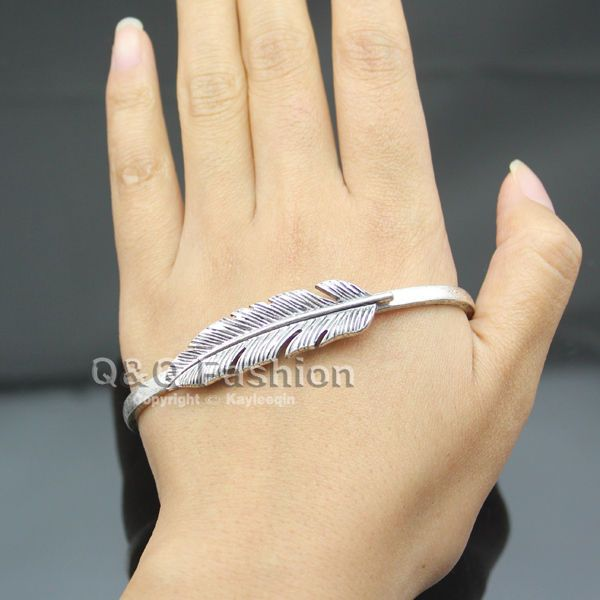 Woman Antique Silver Carved Leaf Hand Palm Bracelet Bangle Cuff Ring Costume Top