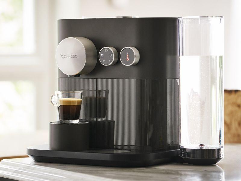 4種類のコーヒーメニューや3種類の設定温度を選べるnespresso Expert コーヒーメーカー ネスプレッソ コーヒーメニュー