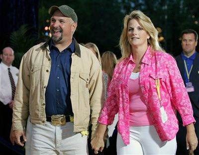 Garth and trisha garth and trisha pinterest garth for Is garth brooks and trisha yearwood still married
