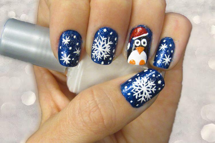 Snow Flakes Christmas Nail Art Design