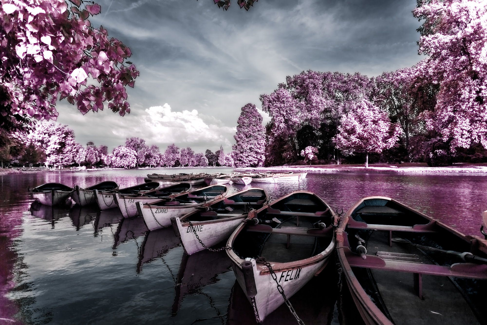 In this week's tutorial by Serge Ramelli you will learn the steps to apply an infrared look to your countryside photos in Photoshop. To download the source