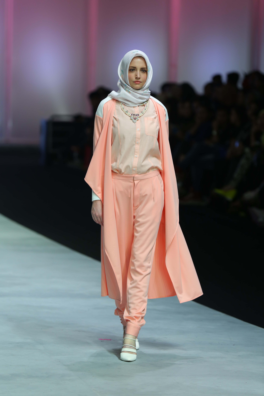 Finalist Grand Final HijUp Model Look 2013 Hikmah Amalia Ria