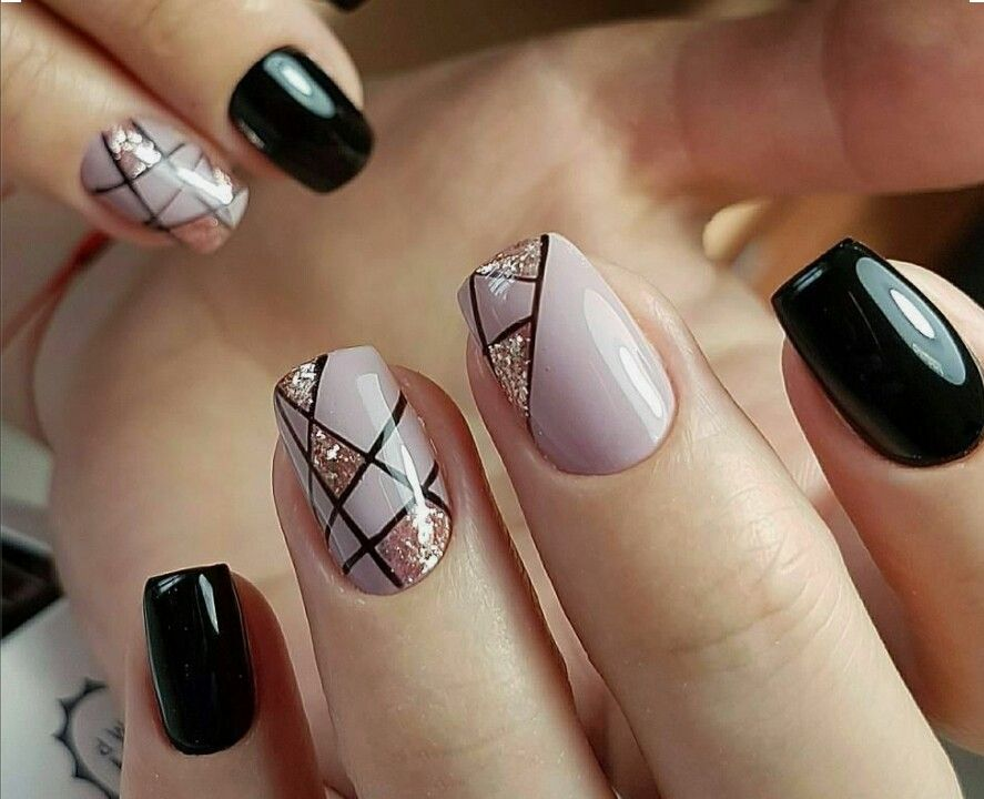 Rose gold & the black look awesome - Rose Gold & The Black Look Awesome Nails Design Pinterest