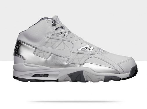"release date: 473d4 5654e Nike Air Trainer SC High ""Super Bowl Trophy"" Bo Jackson Sneaker Available  Now"