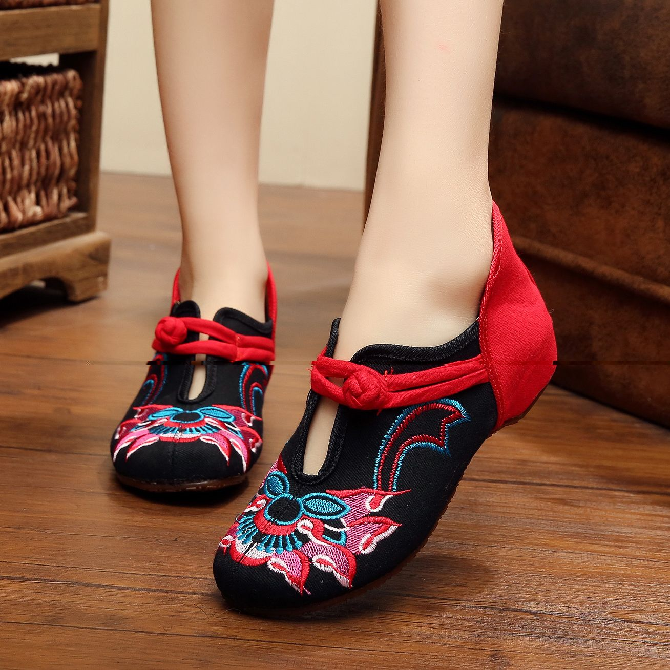 Chinese Vintage Beijing Traditioal Ladies Shoes Classic Ballet Shoe Flats Black
