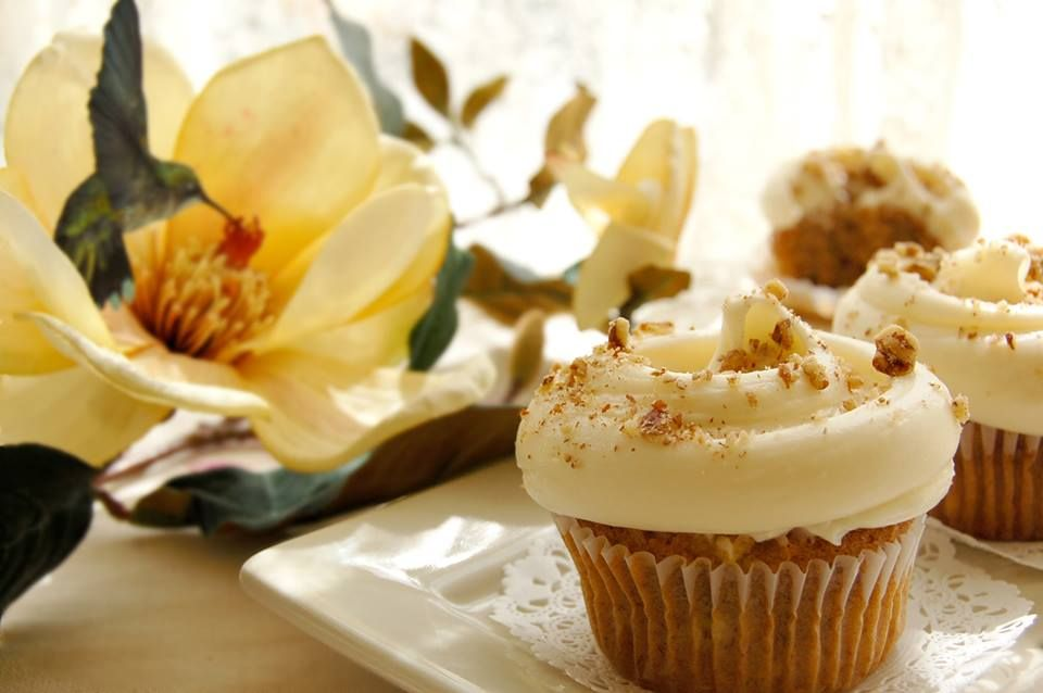 Mascarpone and Ginger Cupcakes with roasted pecan nuts