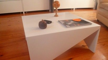 Corian Table Basse Blanc TriangleMes Avec En Pieds Créations vNw8nm0