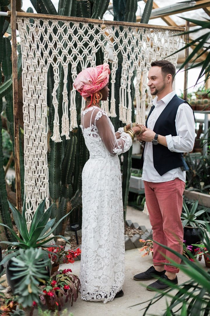 Groom in pink trousers - Cactus Wedding Inspiration Shoot in Botanical Garden | fabmood.com #wedding #weddingstyled #weddinginspiration #weddingideas