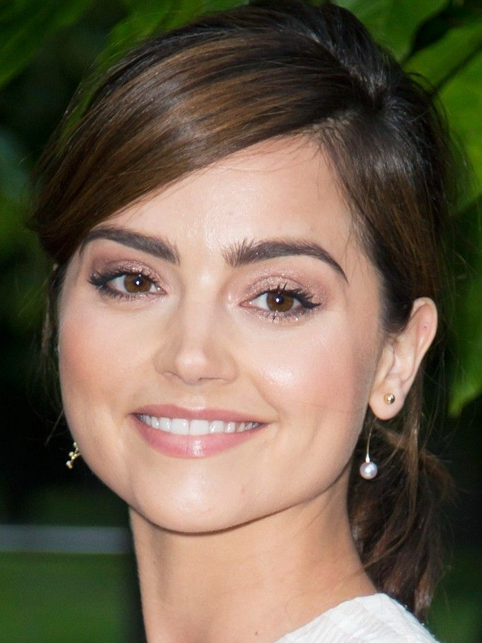 7 Cool Girl Beauty Tricks We Learnt From Jenna Coleman In 2018
