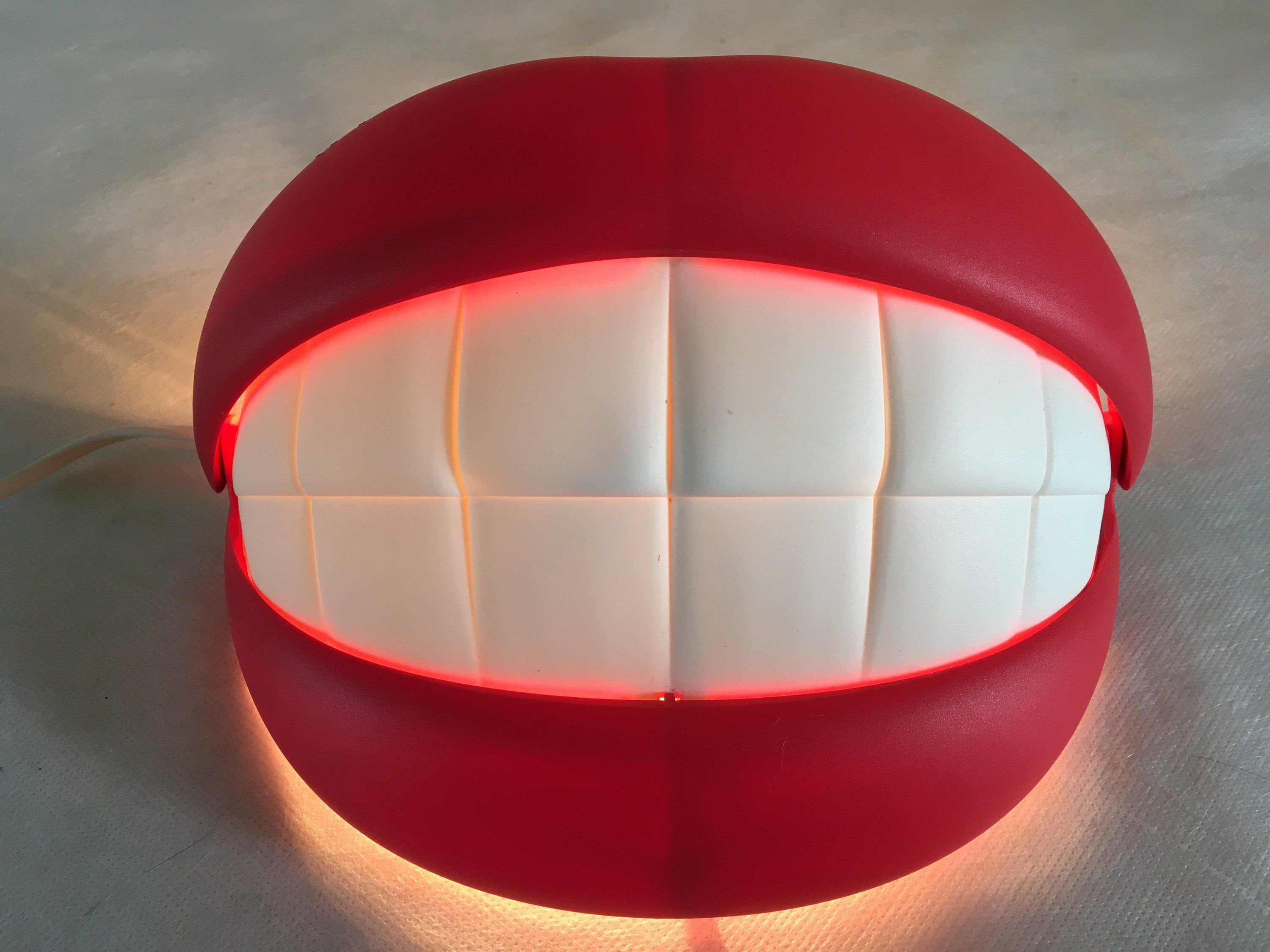 Ikea Flabb Wall Lamp Mouth Lips Teeth Smile Shaped Wall Light Corded Wall Sconce Art Deco Design In 2020 Art Deco Deco Neon