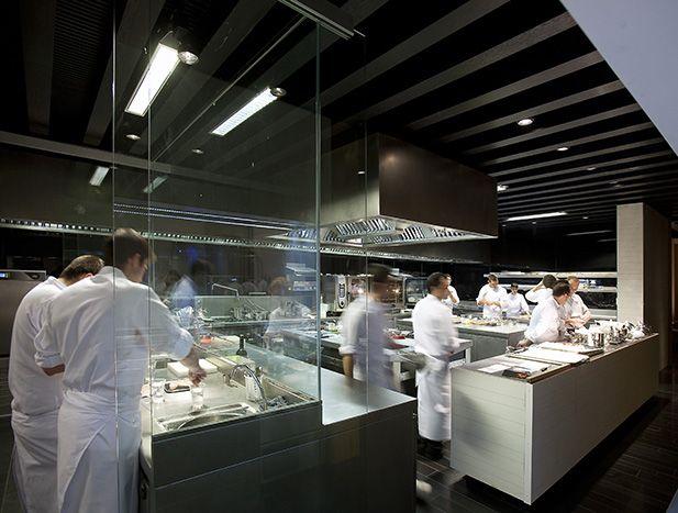Cocina del restaurante atrio hotel c ceres extremadura - Cocinas caceres ...