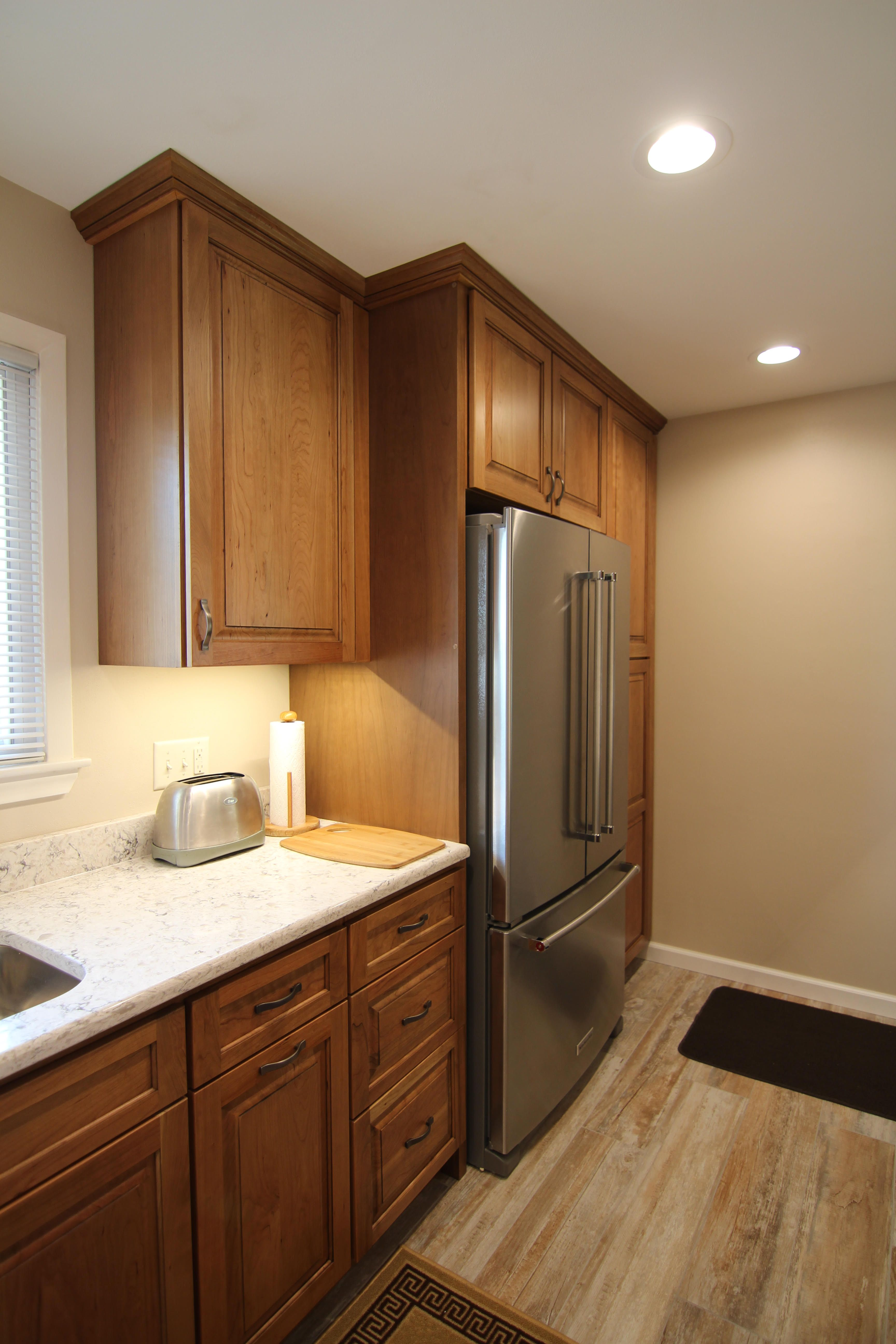 Remodeled Kitchen Incorporating Warm Tones Kitchen Remodel Home Kitchens Home Remodeling