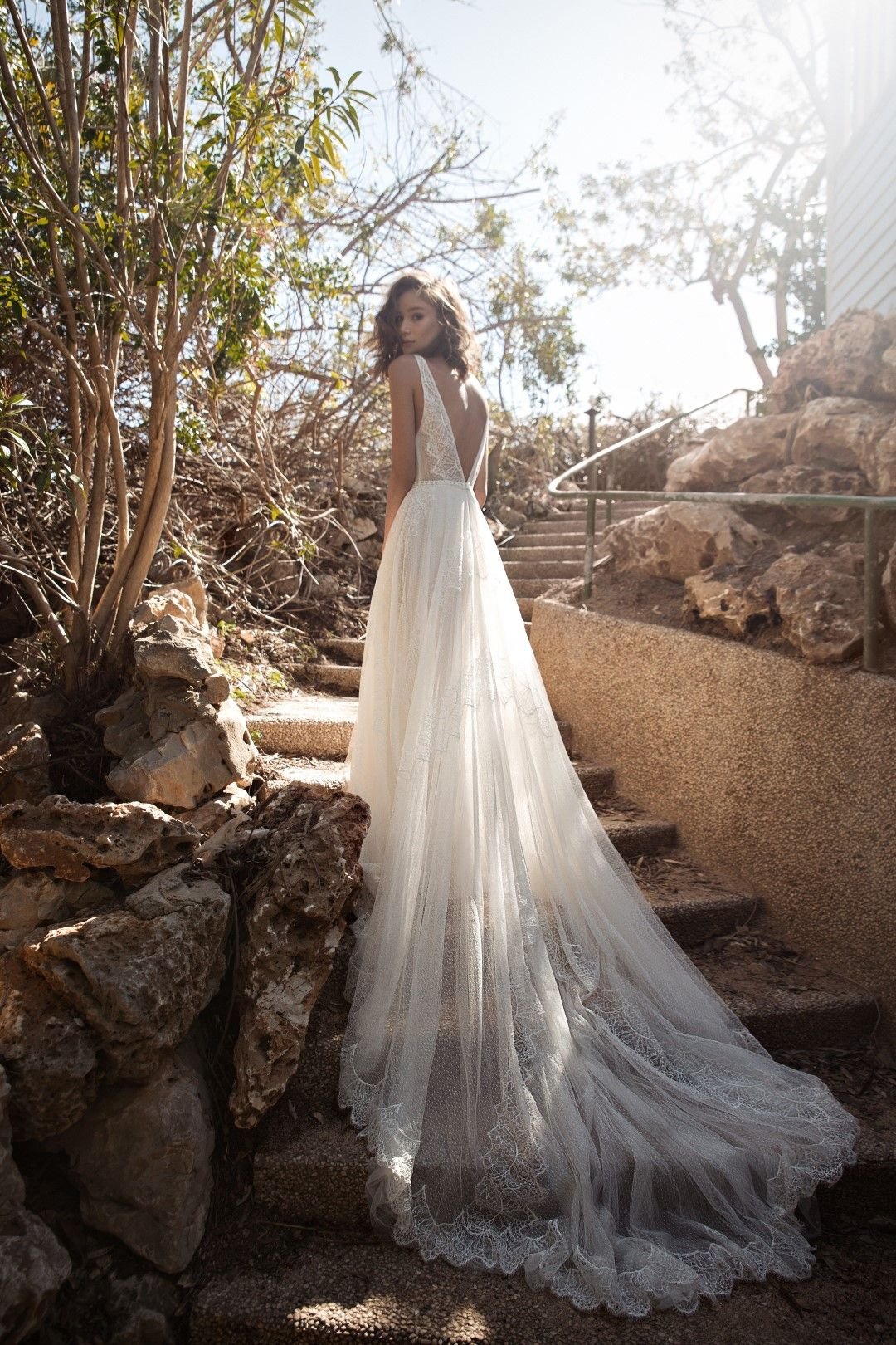 Long train bohemian wedding dress sexy wedding dress open back