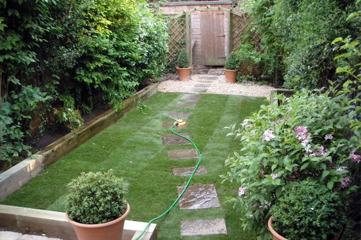 Small landscape design small gardens ideas cottage for Very small garden design ideas uk