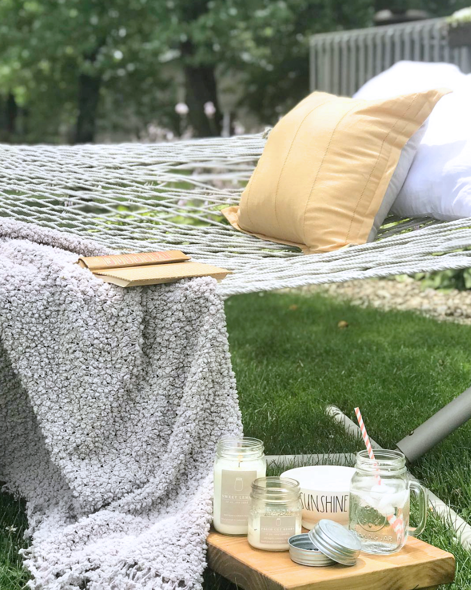 6e7e43dc15ef The best ways to stay cool and relax during the summer  a hammock