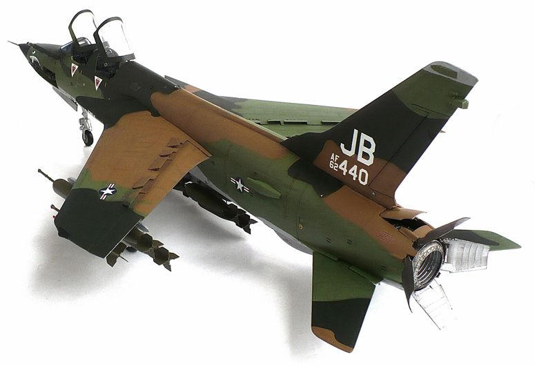 Here Are Some Images Of Trumpeter S 1 32 Scale Republic F 105g Thunderchief Wild Weasel From Wikipedia The Republic F 1 Weasel Model Airplanes Wild