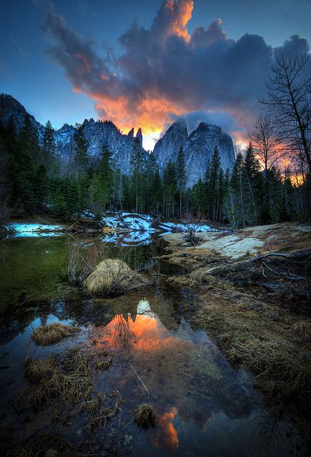 Merced River, Cathedral Rocks,  Yosemite at sunset, California, USA