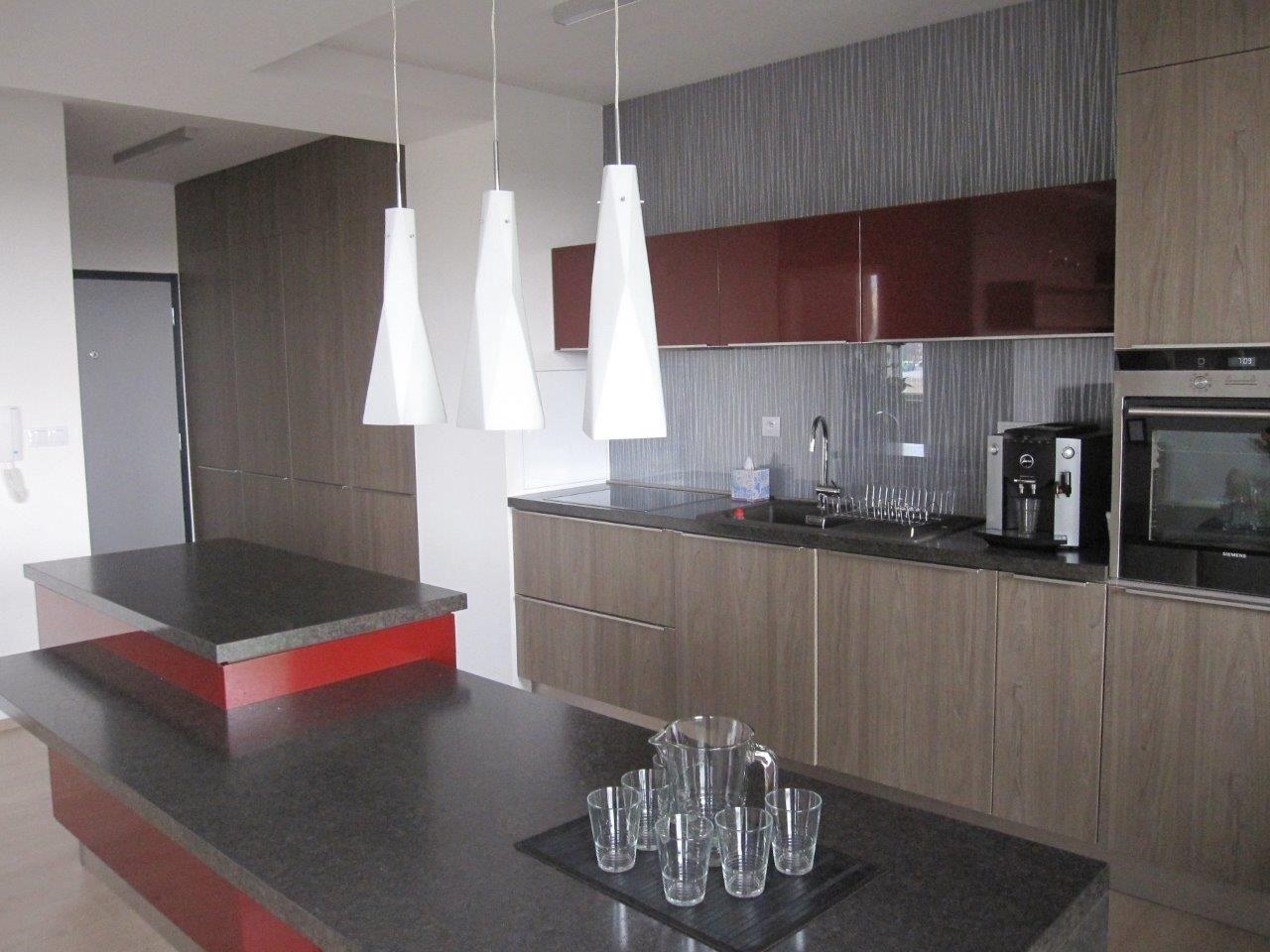 Realizácia vzorového bytu Arboria Trnava  Kuchyňu navrhoval interiérový dizajnér Ing.arch.Tatiana Magulová