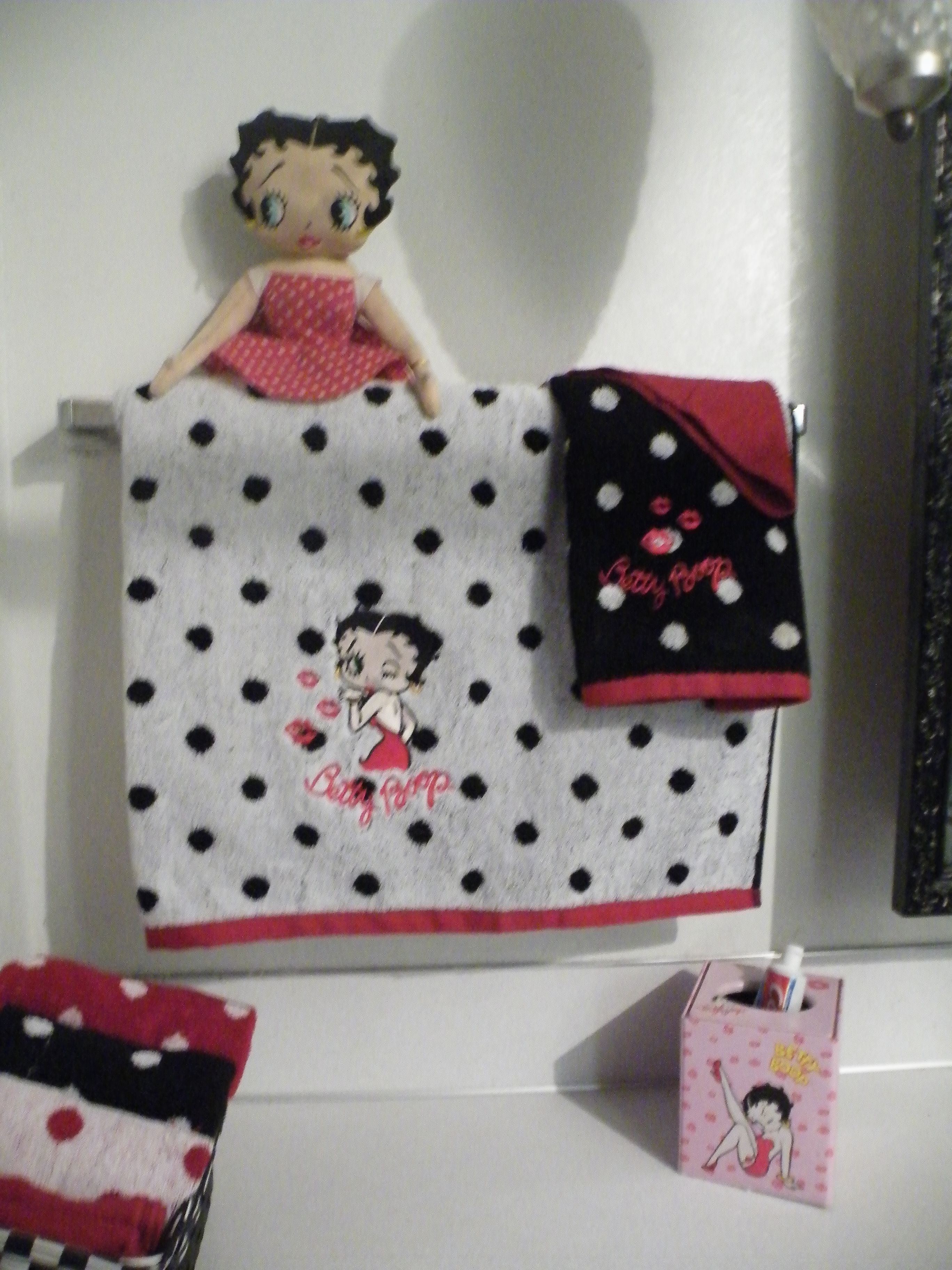 betty boop bathroom embroidery - sew- | betty boop, betty