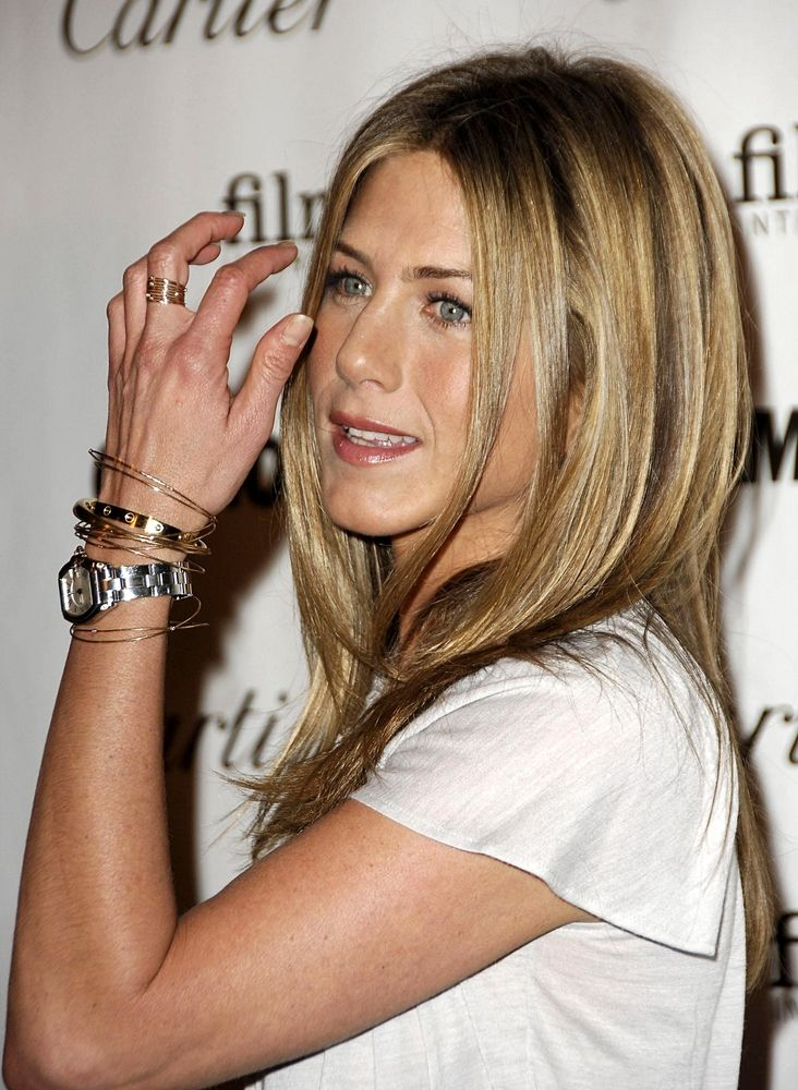 Jennifer anniston in our cartier watches buyers guide celebrities and watches in 2019 for Celebrity watches 2019