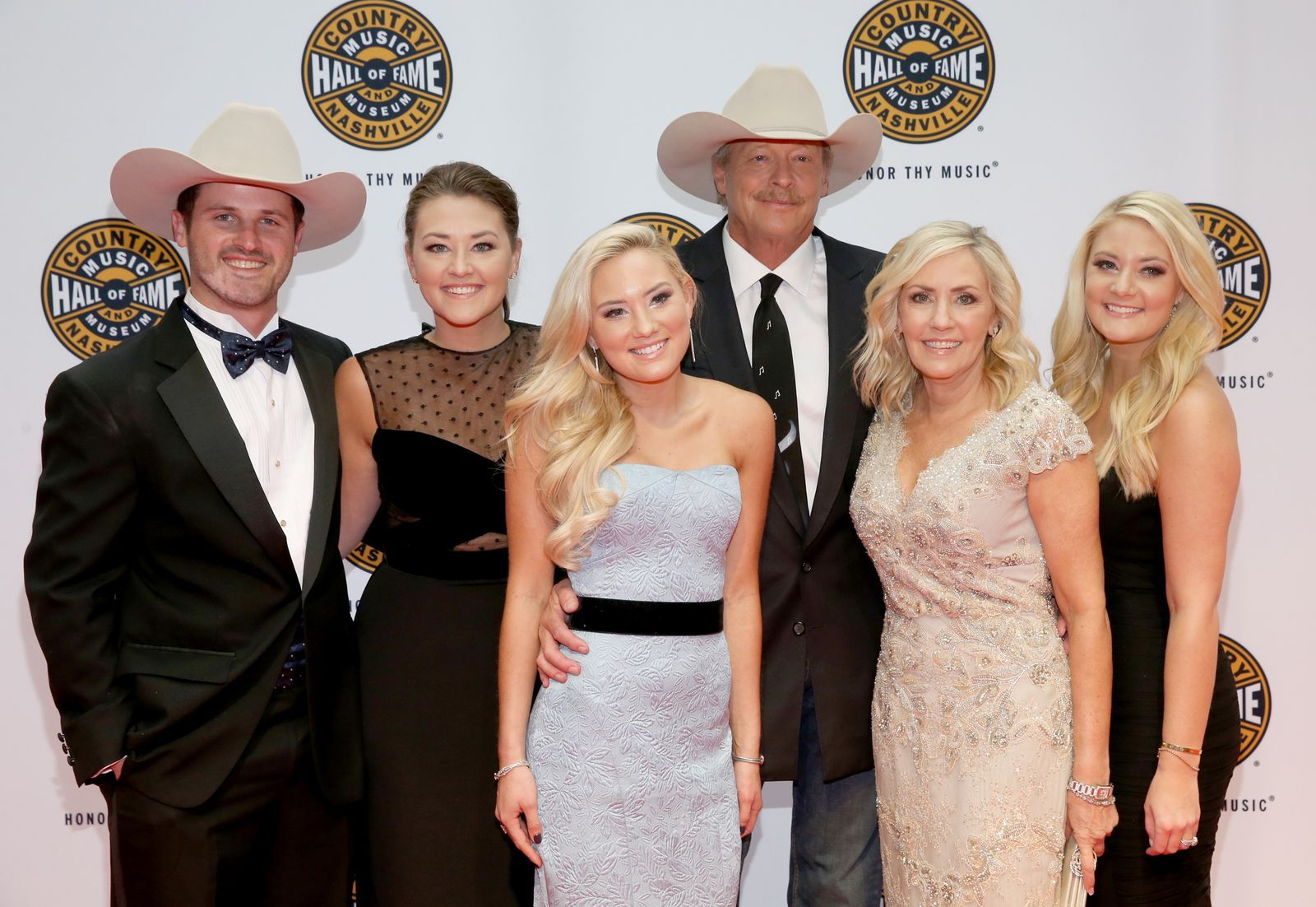 Alan Jackson S Son In Law Falls And Dies While Helping A Woman
