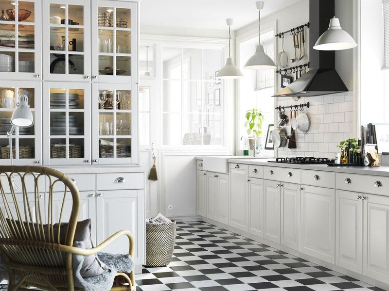 Küchenunterschrank Ikea ~ Traditional grey ikea kitchen with black worktops and integrated