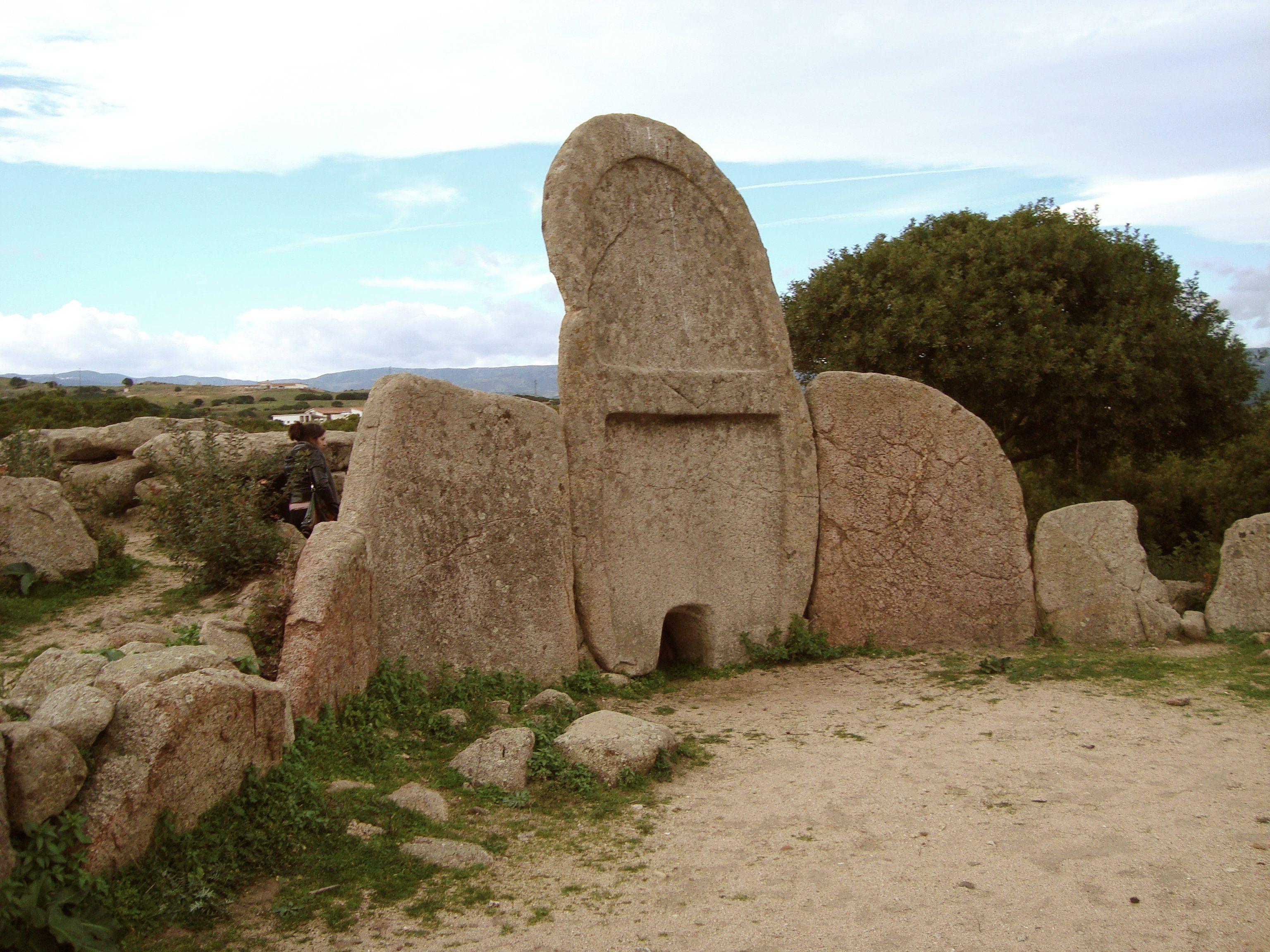 Sardegna tomba dei giganti