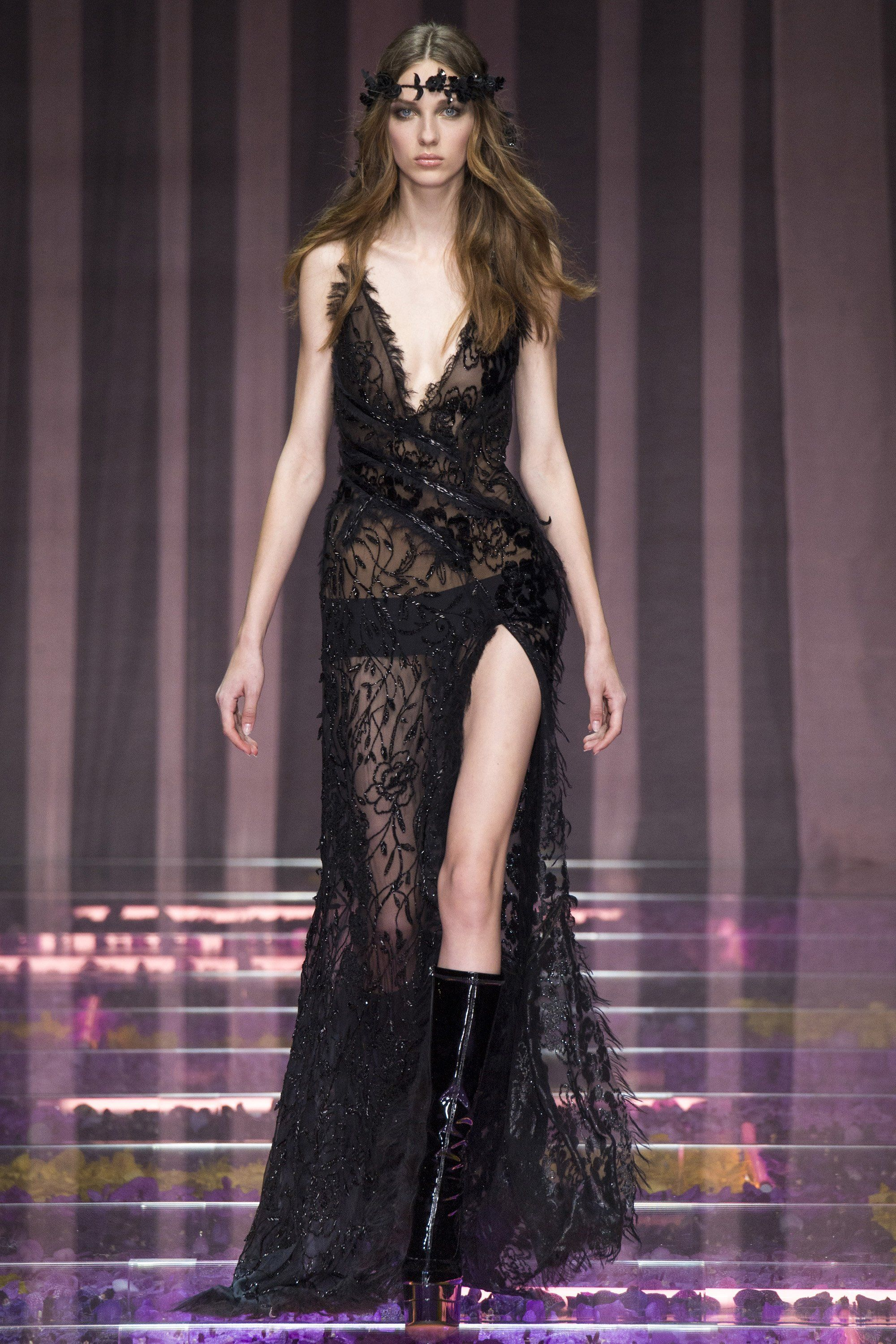 Atelier Versace Fall 2015 Couture Runway | Fall 2015, Versace and ...