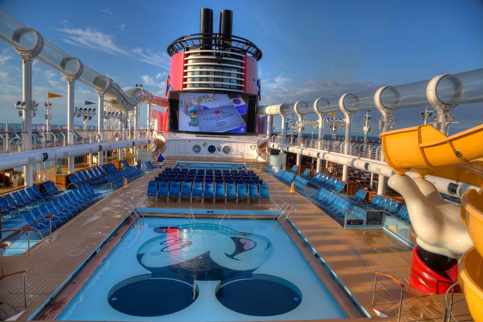 Disney Dream Pool Boatcruise