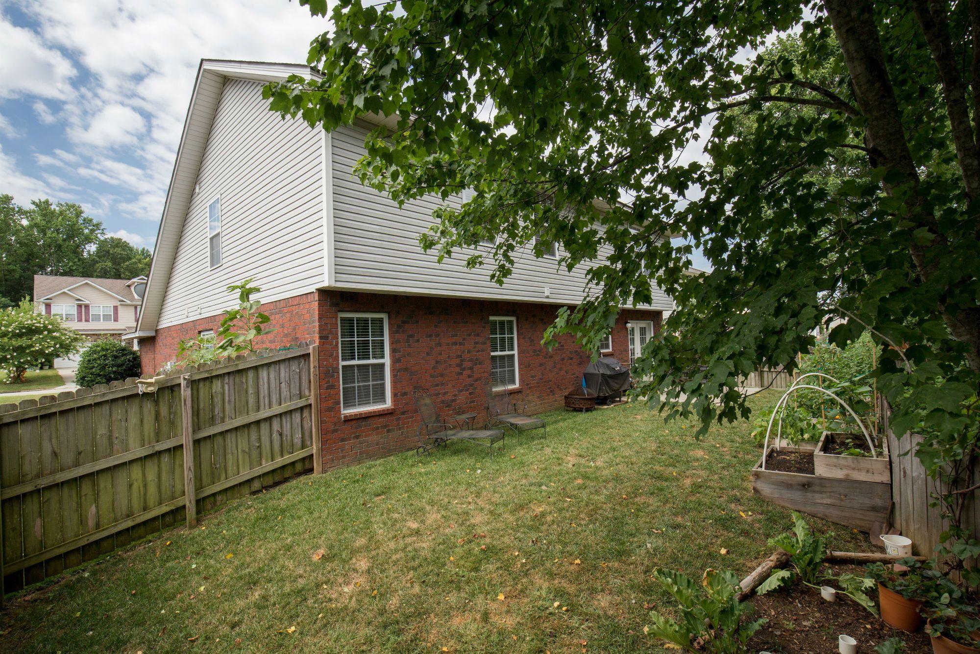 Easy To Maintain Backyard With Small Garden 843 Estuary 400 x 300