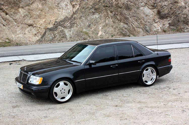A very rare Mercedes-Benz 500E - sitting on AMG Hammers  | My Style