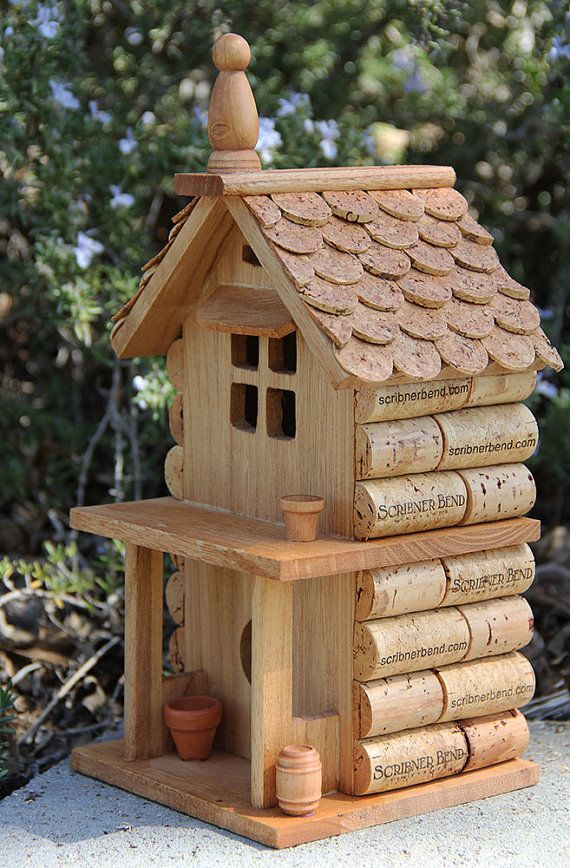 porch house birdhouse wood and wine corks bouchons vin et oiseaux. Black Bedroom Furniture Sets. Home Design Ideas