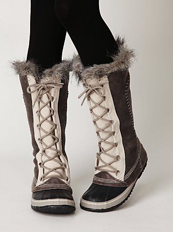 Sorel Cate the Great boots.. I will have these this winter.