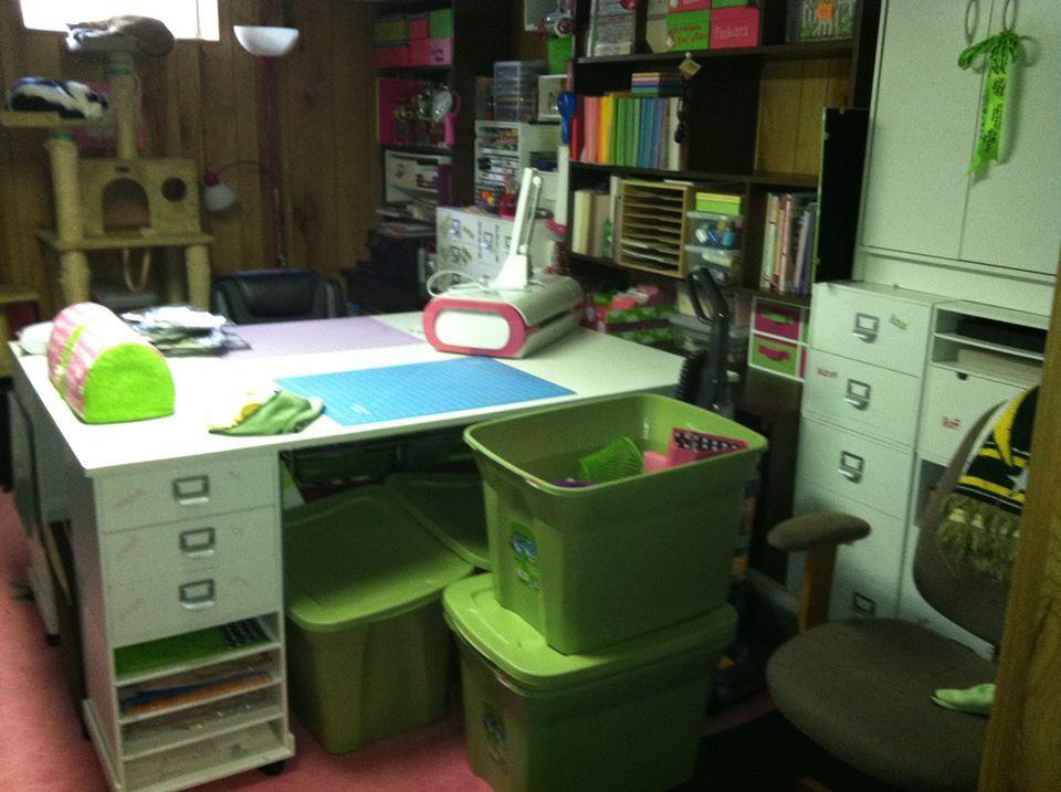 Desk Idea Craft Storage Solutions Craft Organization Scrapbook Storage