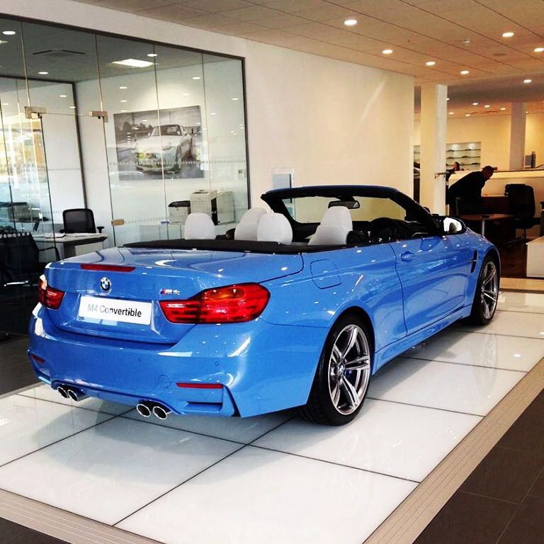 Bmw Yas Marina Blue: BMW M4 Convertible In Marina Blue