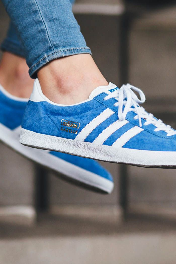 new style ae405 aac11 ADIDAS Gazelle OG in light blue and gold suede sneakers classic