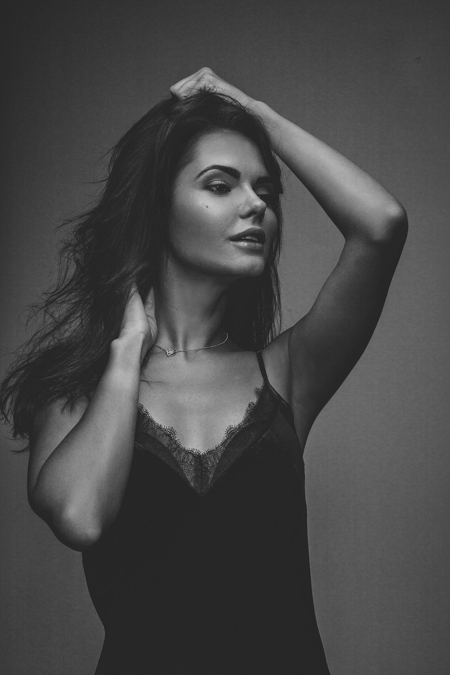 Black and white photoshoot photography ideas