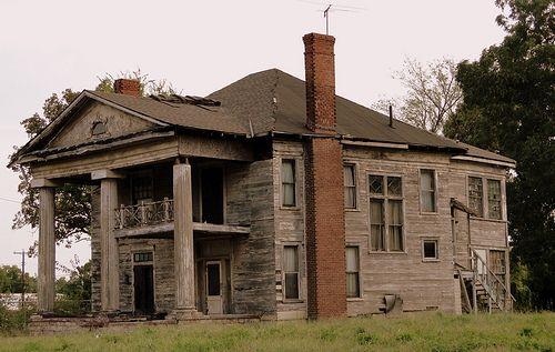 Abandoned alabama antebellum homes bing images forgot for Abandoned plantation homes for sale