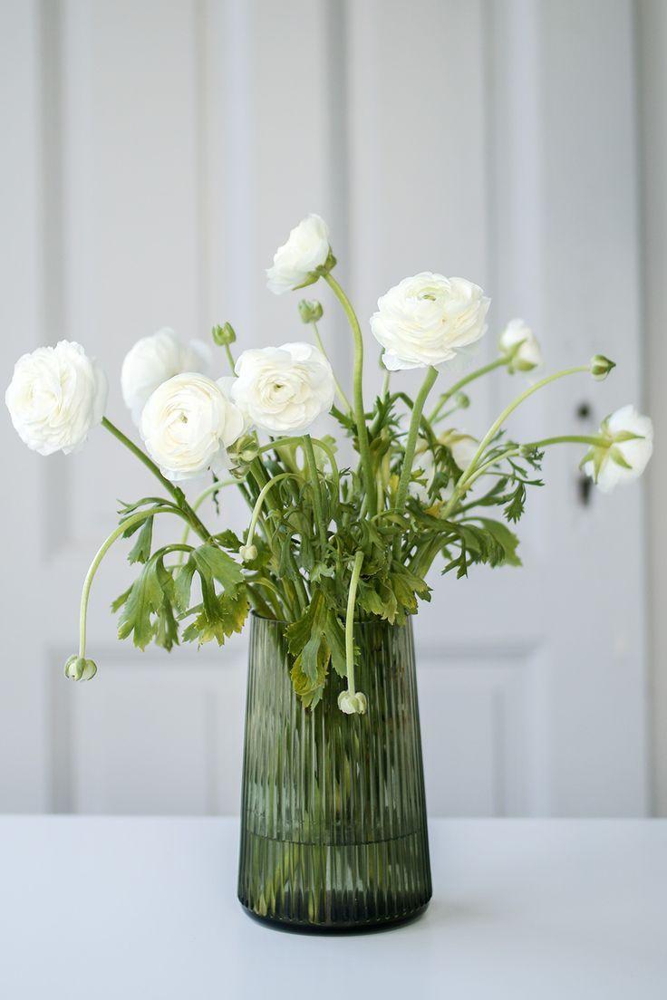 nimm platz dekoration blumen pinterest blumen ranunkel und wei e tulpen. Black Bedroom Furniture Sets. Home Design Ideas