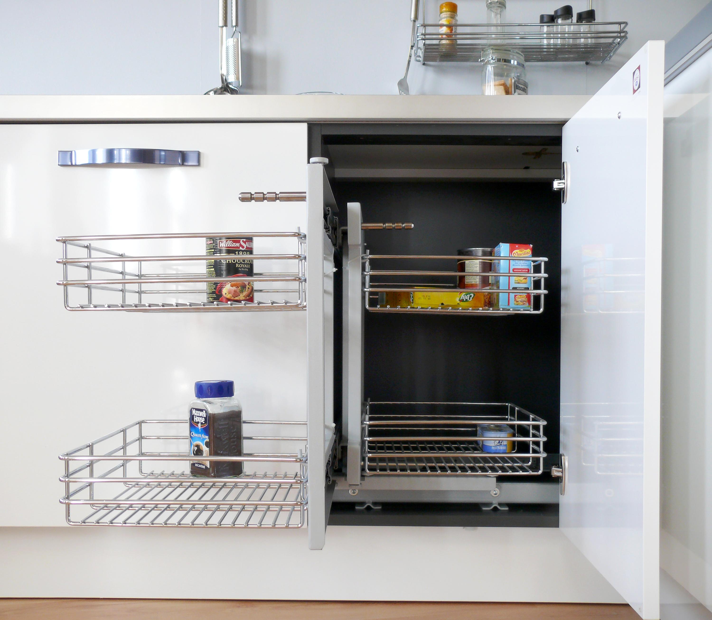 Les casiers extractibles coulissants pour atteindre le for Equipement petite cuisine