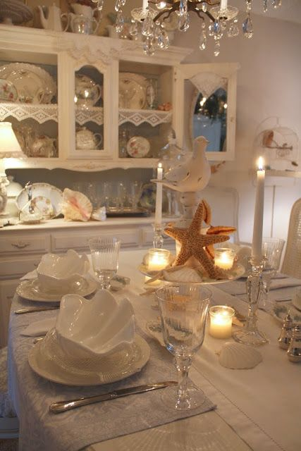 Superior Seaside Tablescape With White Bird.